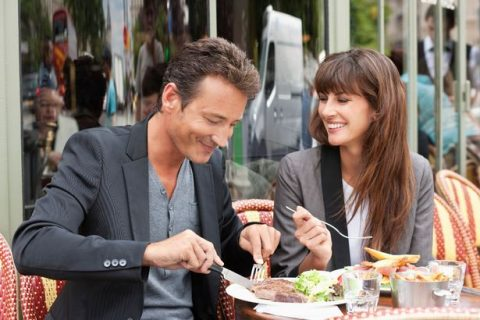 PROD-Couple-enjoying-lunch-at-a-restaurant-Paris-Ile-de-France-France