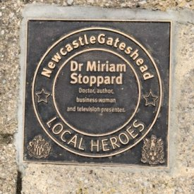 Dr Miriam Stoppard Receives Local Hero Award